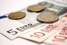 Einige Euro Münzen und Scheine Kleinkredit bei Hartz 4 vom Jobcenter